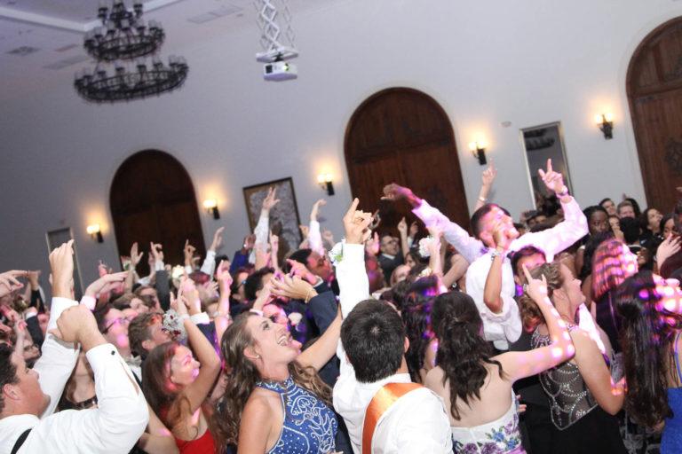 19 Tips for 2019's Senior Prom